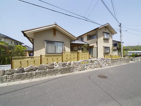 新和風の二世帯木造住宅