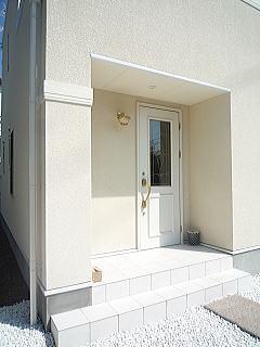 白を基調とした洋風住宅