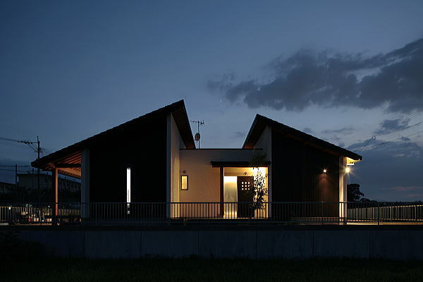 モダンな平屋建て住宅